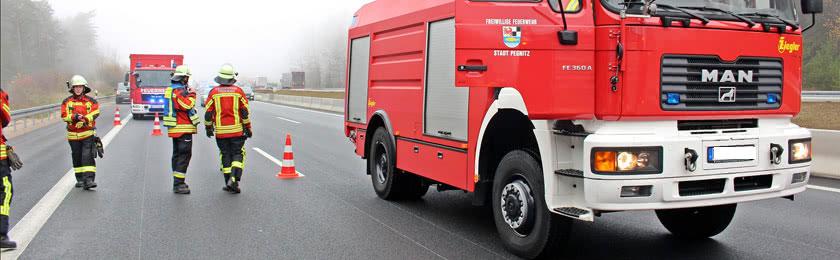 Brennender Blitzer auf der A1 - Kriminalpolizei ermittelt