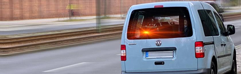 Darf ein Blitzerauto im Parkverbot stehen?