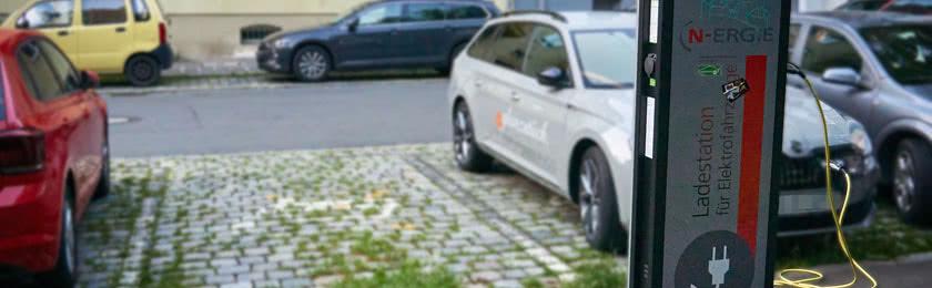 Read more about the article Können E-Autos mit altem Führerschein gefahren werden?